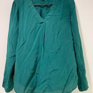 J Crew Top Size 2 Moss Green In good cond